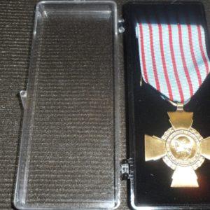 Médaille Ordonnance CROIX DU COMBATTANT - Armée Française-finition patinée